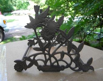 fantastic antique ornate iron EASTLAKE VICTORIAN floral and BIRDS pen holder stand