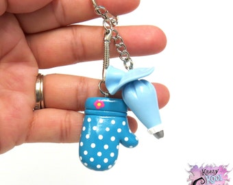 Love Of Cake Decorating Keychain