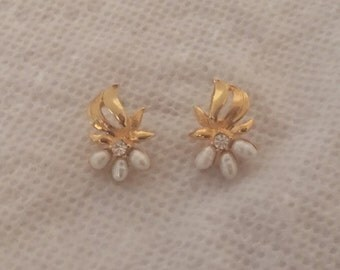 Vintage Avon Pierced Earrings Goldtone Floral Spray Design with Faux Pearls and Rhinestones