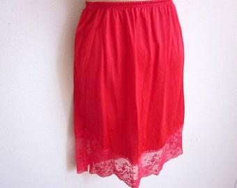 Vintage half Slip RED wide lace hem Vanity Fair STUNNING - S petite