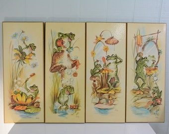 Silly Bathroom Frog Wall Decor by Coby