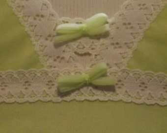 Lime Green Vassaret Juniors y Munsingwear Slip Baby Doll with Lace and Bows Size XS S