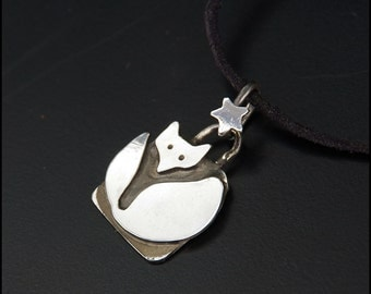 Under the star - Sterling silver fox pendant