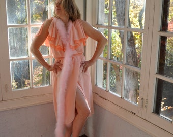 Campy Vampy Marabou Feathers Dressing Gown/Vintage 1960s/Drag Queen Halloween Costume/Peach Chiffon/Size Small to Medium