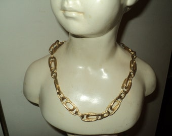 Vintage Brushed Faux Gold Chunky Chain Link Style Necklace  with wonderful well  developed patina in Good Condition, Timeless Classic Style