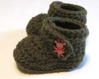 Wool Christmas baby booties with reindeer buttons.  Mossy green booties for baby's first Christmas booties.