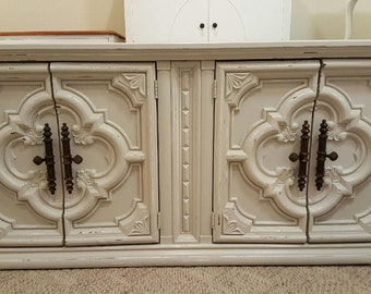 Sold This is sold Credenza Buffet Ornate grey/beige distressed Storage tv media console