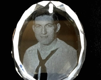 Your Photo or logo etched in crystal Christmas Ornaments. 5 design available.  (heart,oval,round,teardrop,bell) Size approx. 2 inches.