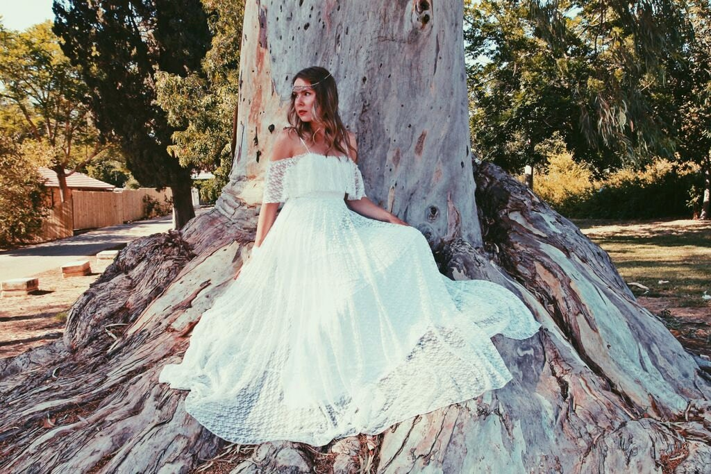Simple Wedding Dresses: Bohemian Wedding Dress Simple Lace Wedding Dress Hippie