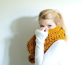 SUMMER SALE the CHEROKEE cowl - chunky cowl scarf hood circle scarf - butterscotch - slightly ribbed