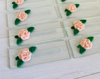 Vintage Place Cards // Reusable // Glass Name Plates // Wedding Decor // Felt Flowers