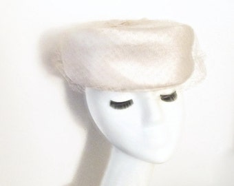 Vintage White Hat Pillbox 1950s Cocktail Bridal Headpiece
