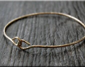 14k Gold Filled Bangle bracelet, Simple Hammered 14k Gold Filled Bangle, Gold Filled Bracelet, Gold Filled Knot Bangle, Stacking Bangle