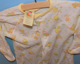 Sz. Layette Carters Baby Gown