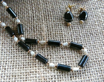 31 Inch Vintage Black Onyx and Freshwater Pearls Necklace with Earrings