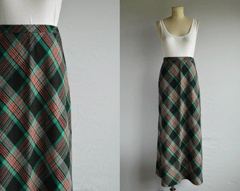 Vintage 1970s Bias Maxi Skirt / 70s Wool Plaid Maxi Bias Cut / Black Red Green Holiday Plaid