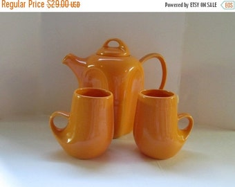 AUGUST SALE Vintage Ceramic Coffee or Teapot with 2 Matching Cups. Dreamsicle Orange.