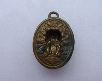 Gothic Victorian Pendant Locket Reliquary Case Virgin Mary and Cherub Details