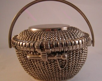 Vintage Silver Metal Nantucket Basket Trinket / Jewelry Box Removable Cover Movable Handle