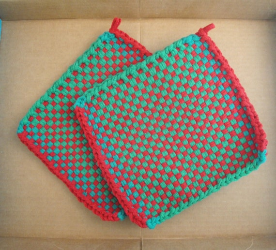Red & Green Potholders, Christmas Holiday, Hot Pads, Large Size, Thick Cotton, Handmade