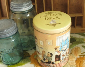 Hershey's Kisses Vintage Candy Tin 1990 Canister #5 in Hershey's Hometown Series