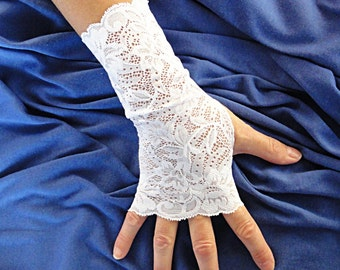 White Lace Gloves -  White Wedding Gloves - Lace Fingerless Gloves .