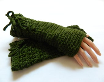 crochet fingerless mittens, crochet mittens, wrist warmers, fingerless gloves, Winter fashion, ready to ship, UK seller