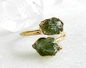 peridot ring, open ring, raw peridot, raw gemstone ring, gold ring, statement ring, boho, gifts for her, birthstone ring, august