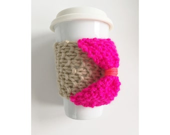 KNIT CUP COZY - Hand Knit Cup Cozy in Cream with an Aqua and Neon Green Bow, Reusable Cup Sleeve, Mug Sleeve, Knitted Mug Cozy