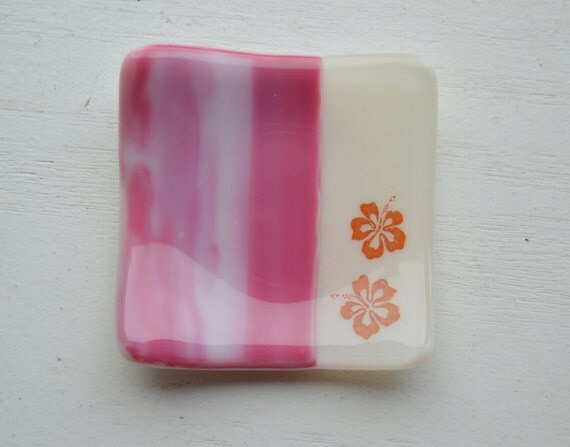 Hibiscus 3x3 Small Square Glass Fused Dish in ivory and pink swirl glass