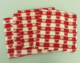 Four NICE Hearts Design Vintage Picnic Checked Napkins, Red and White Hearts Pattern, Picnic Camping Napkins