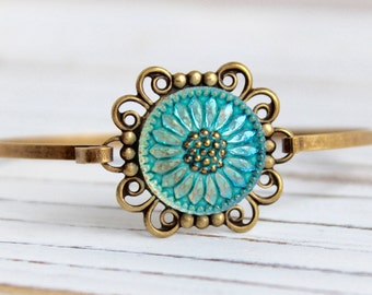 Turquoise Green Sunflower - glass button bangle bracelet, up-cycled jewelry, repurposed jewelry