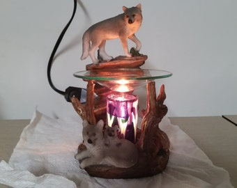 Fragrance Oil Warmer w/ Nightlight (Family of Wolves)