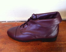 burgundy leather deadstock new vintage ankle boots. women's 7.5