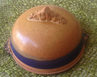 Vintage Art Pottery Cheese Dome, covered cheese plate, covered butter dish, artist signed pottery, hand sculpted clay, glazed EL pottery,