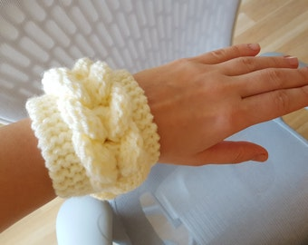 Plait/Braid Crocheted Wristband