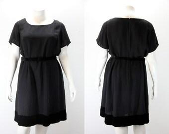 Plus Size Vintage Dress - Black w Short Sleeves