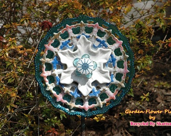 Garden Glass Flower Pink and Blue Lace Yard Art for an Outdoor Garden