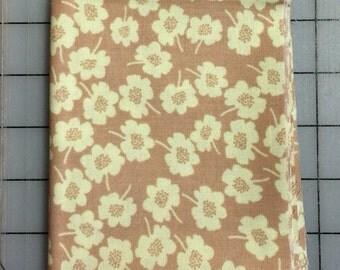 Nel Whatmore - Secret Garden -  Fat Quarter cut of Daisy Dot in Linen PWNW038