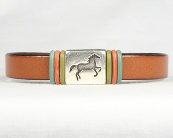 Horse design bracelet, Leather bracelet, Country western, Magnetic clasp, CarolMade L36