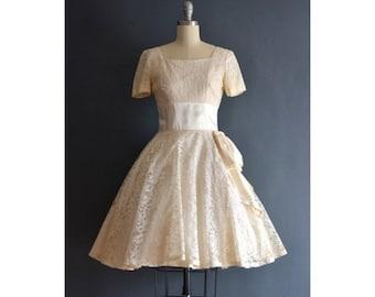 SALE - Debbie / 50s dress / short wedding dress