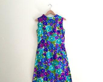 Vintage Blue, Purple, & Green Monet Watercolor Print Floral Dress // Shift Dress // Sheath - Sz Medium - 1960s