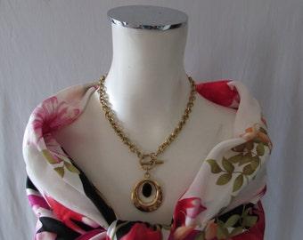 Onyx  NECKLACEVintage Costume Jewelry Goldtone Black Stone 1980s