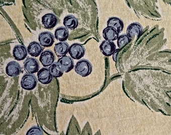 Vintage Pottery Barn Grapes Tablecloth 68 inches ROUND