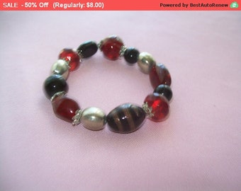 SALE Pretty black and red beaded bracelet