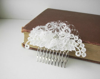 Bridal hair comb off-white flower Wedding hair piece Lace hair comb Fascinator