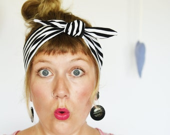 Rockabilly Headband. Black and white stripes. Rosie, the riveter. Handmade headband from reclaimed fabric. Retro style. Vintage look.