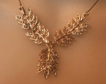 Art Deco Sterling Silver Marcasite Three Fern Leaf Necklace