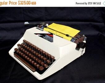 ON SALE Working Typewriter UNUSED Mint Condition Facit Privat Portable Typewriter Manual Typewriter, Qwerty typewriter, Swedish keyboard typ