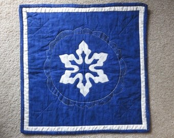 Table topper, Snowflake quilt, table runner, wall hanging, sashiko, coasters, snowflakes, quilts, hand made quilt, winter quilt, home decor